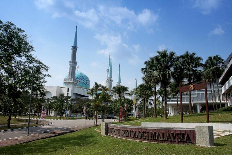 Lulusan MAUWH Berkesempatan Kuliah di Malaysia