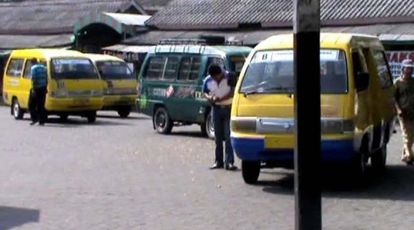 Mendengar Keluhan Sopir Angkutan Umum di Jombang