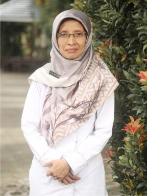 Siti Khumshonatin, M.PdI.